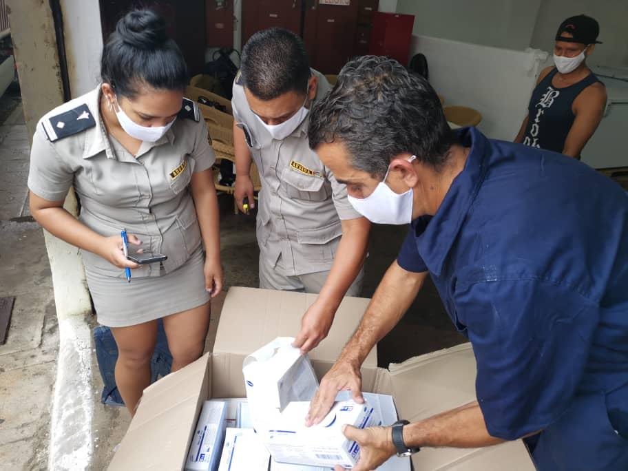 Hanno Heer, Dr. Enrique Aleman, Fernando Gonzáles Llort, Gladys Aillón Im Fokus des kubanischen Zolls
